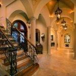 Освещение в интерьере в готическом стиле
