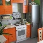 Кухня с оранжевой мебелью