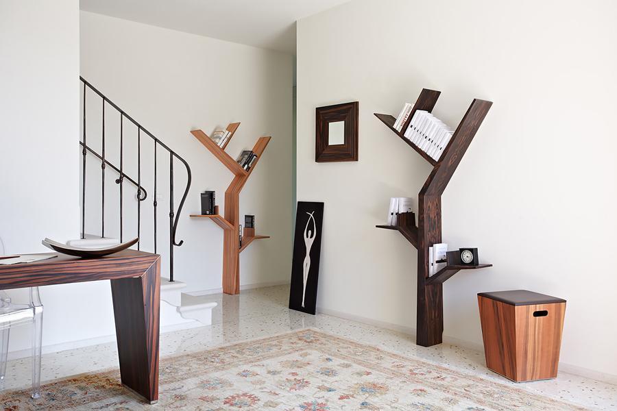 Декор комнаты стильными полками