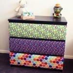 Ящики с разноцветными обоями
