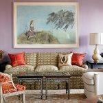 Нежно-лиловые стены в гостиной