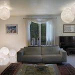 Круглые люстры в комнате