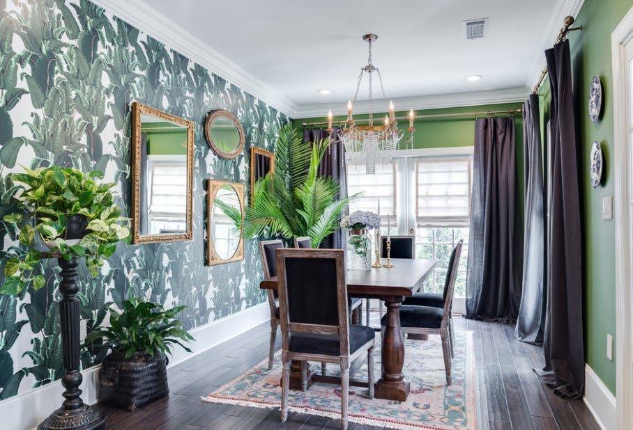 Зеленые стены и серые шторы в декоре комнаты
