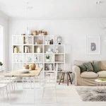 Красивая светлая мебель в гостиной