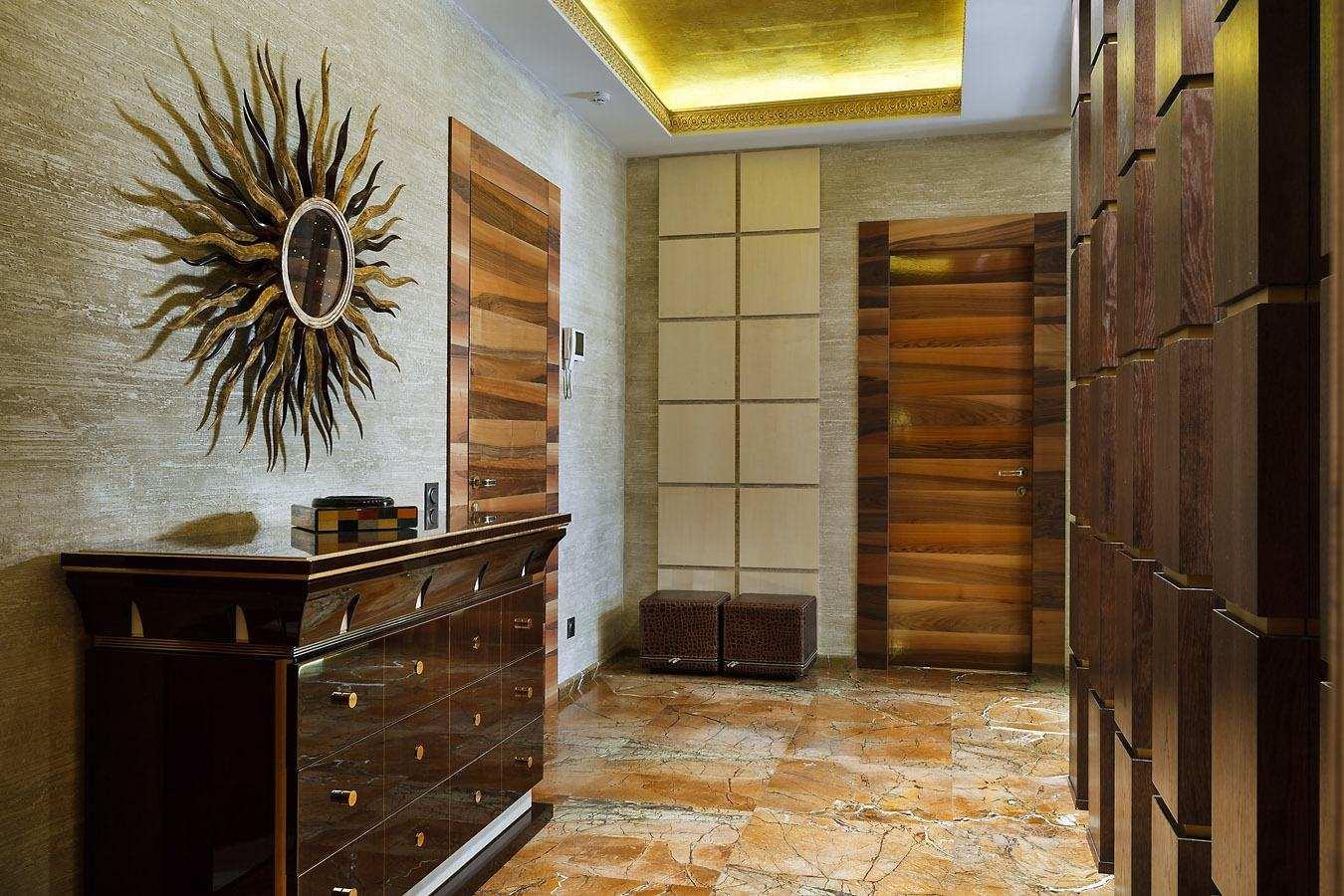 Комбинированные дверь в квартире