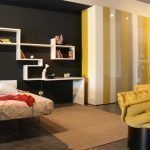 Черно-желтый декор