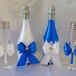 Банты на бутылках и бокалах