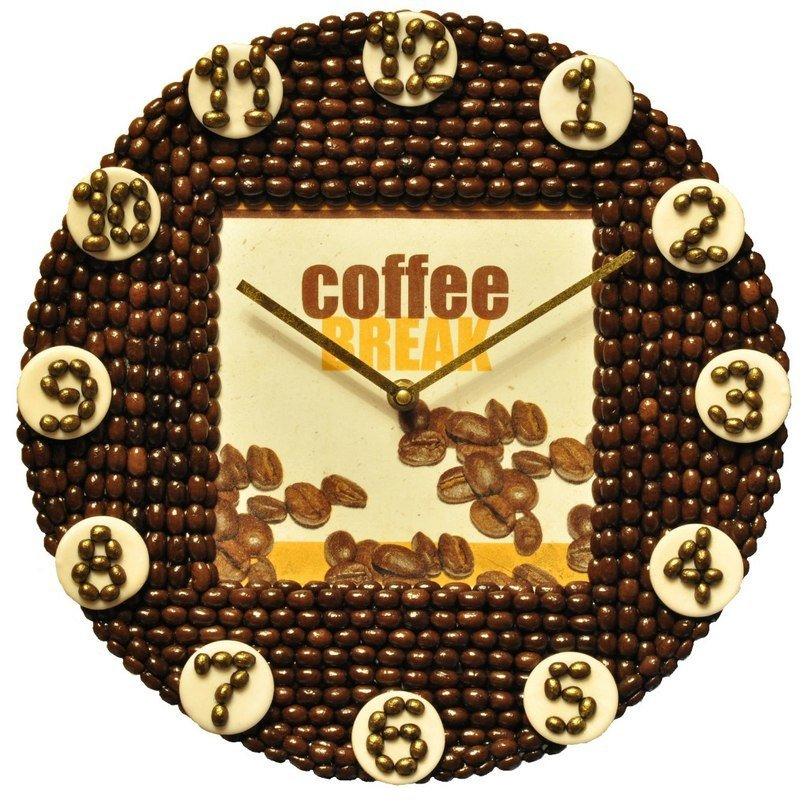 Декор часов из кофейных зерен