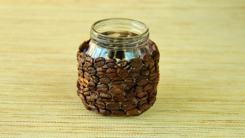 Банка из кофейных зерен