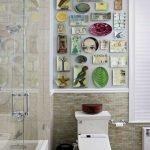 Декоративные тарелки в ванной