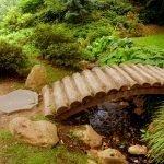Бамбуковый мостик на участке