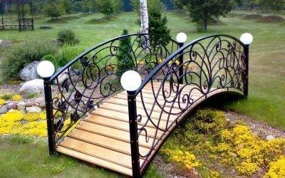 Декоративный мостик для сада +50 фото