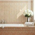 Плитка бежевого цвета в ванной комнате