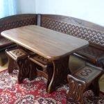 Мебель с резными узорами