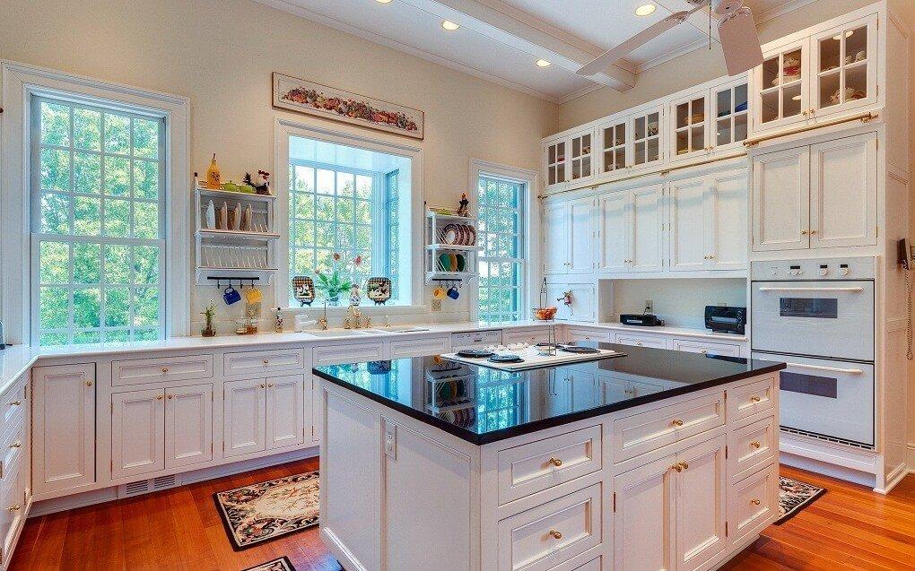 кухни в доме с окном фото схожими изображениями
