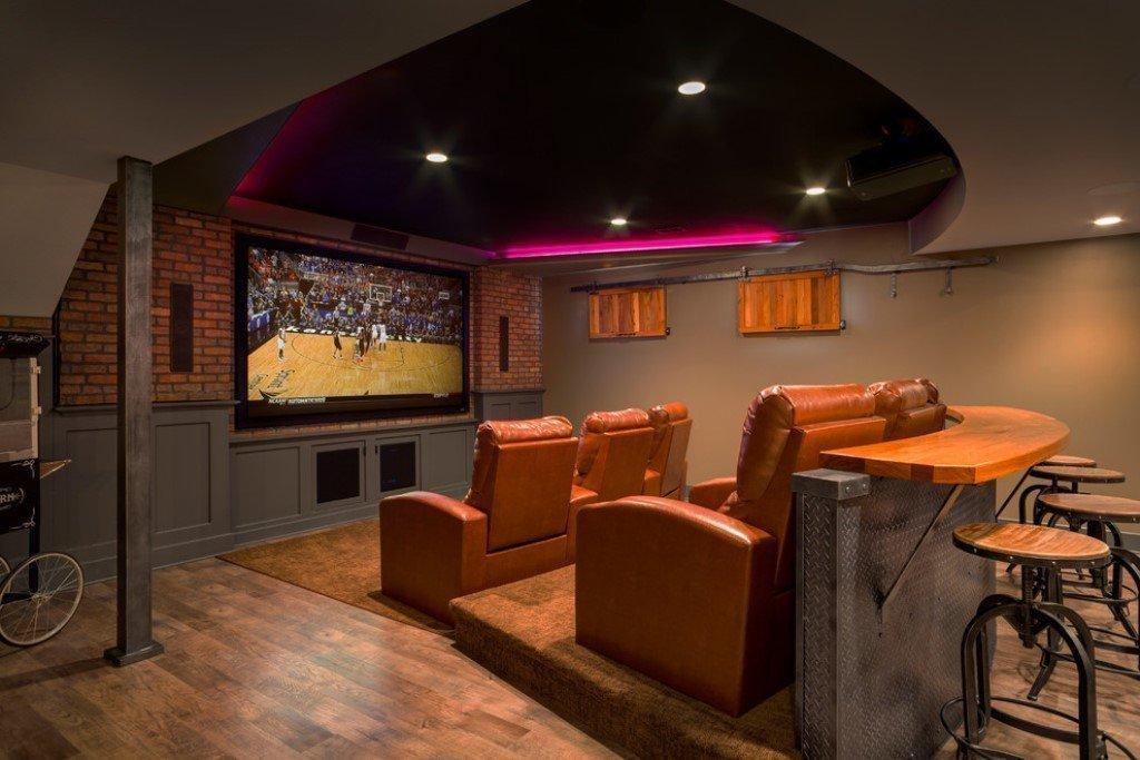 Домашний кинотеатр в подвале