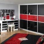 Черно-красный шкаф-купе