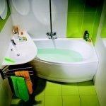 Яркий дизайн ванной комнаты в квартире
