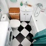 Черно-белая плитка на полу