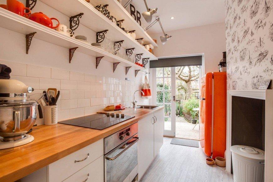 Оранжевый холодильник в интерьере