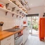 Кухонный гарнитур в прихожей