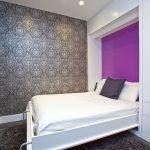 Спальня со стильным декором