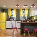 Светильники над кухонным столом