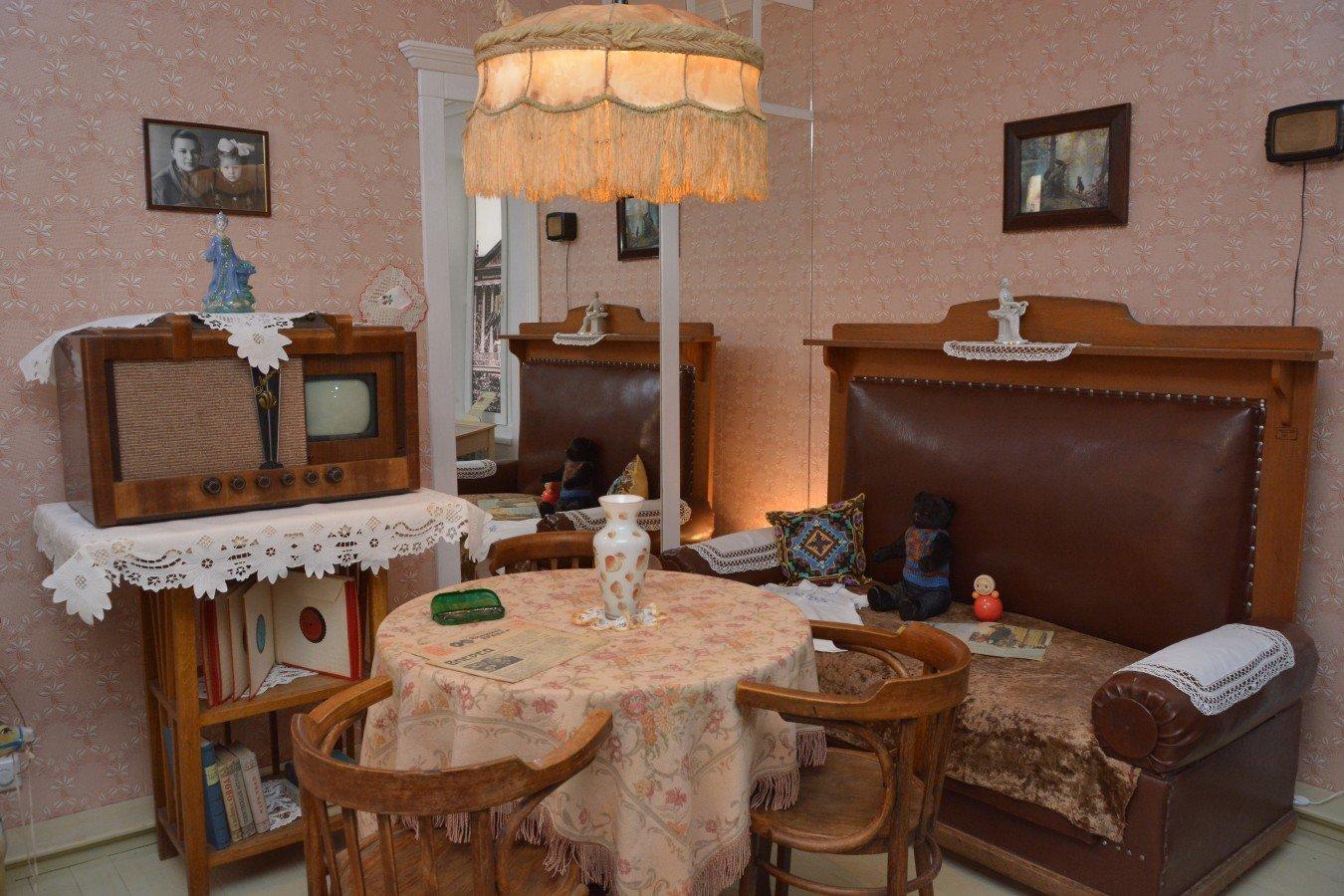 Дизайн гостиной 40-х годов