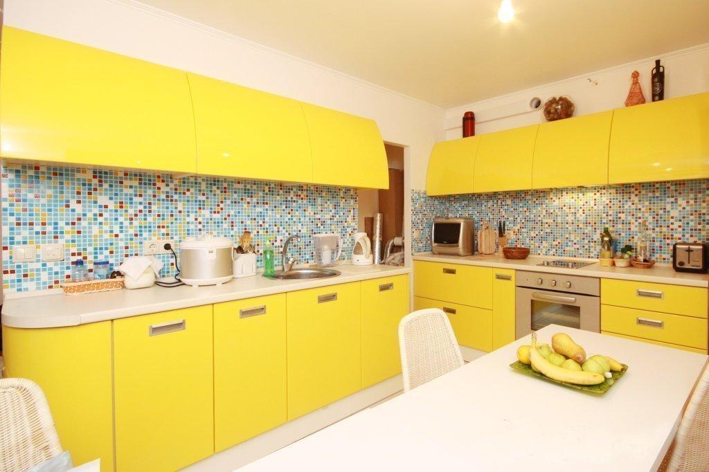 кухня желтая с подсолнухами фото для