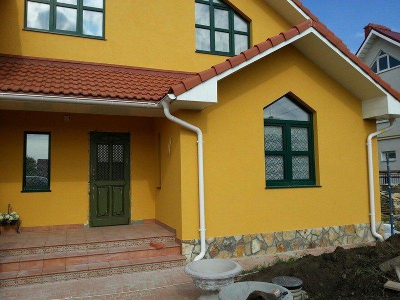 оранжевые дома оштукатуренные фото настоящее