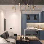 Сочетание синей мебели и белого фартука на кухне