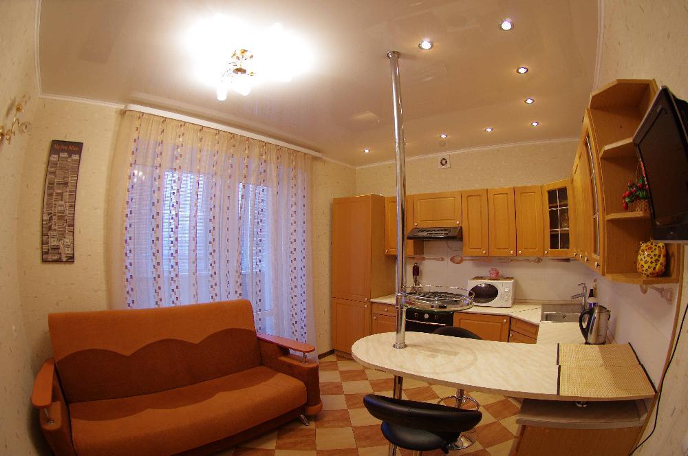 Интерьер комнаты в общежитии в светлой цветовой гамме