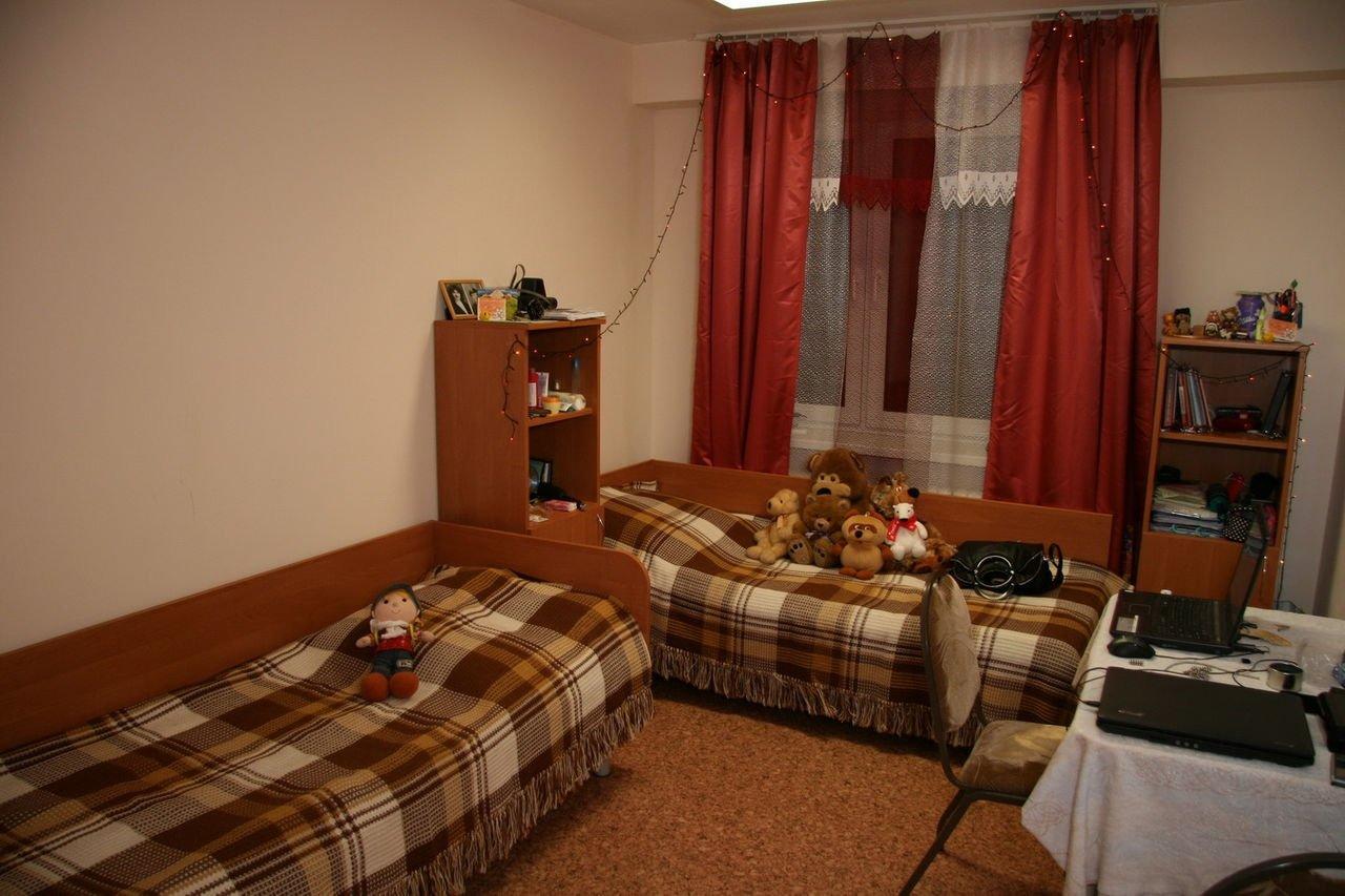 комнаты в студенческом общежитии фото может убрать мусор