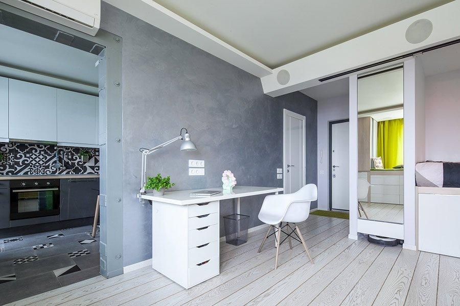 Светлая мебель в современной квартире