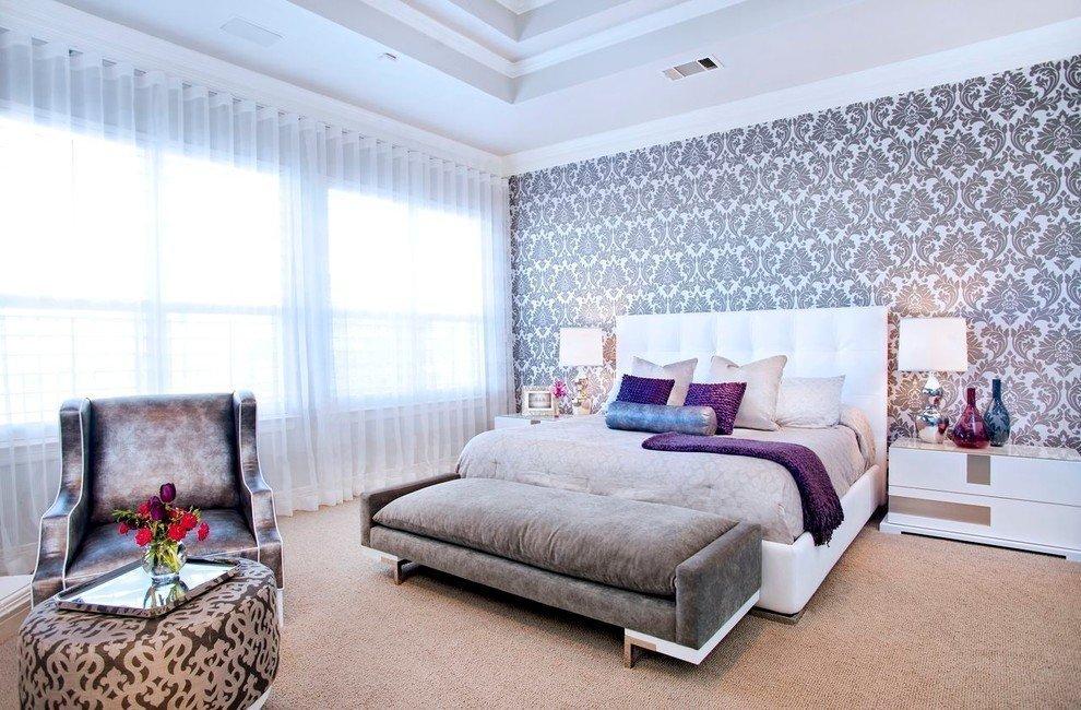 Многоуровневый потолок в спальне в частном доме