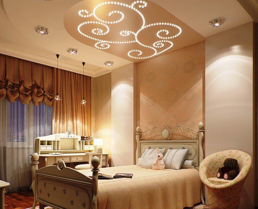 Светлая мебель в спальне в частном доме