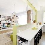 Зонирование кухни в квартире студии