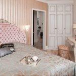 Пудровые тона в декоре спальни