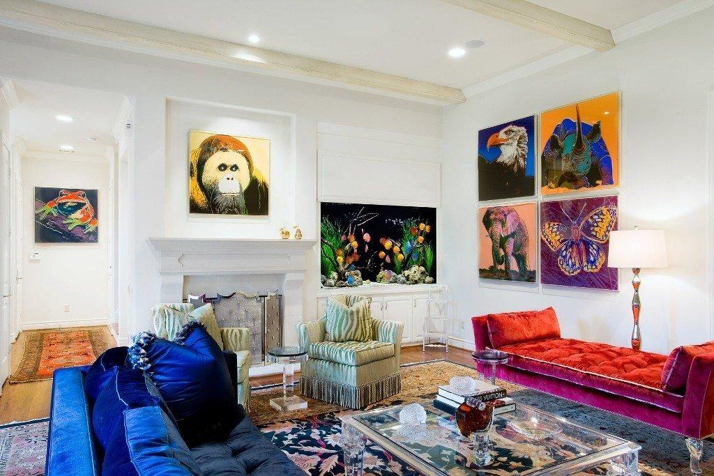 Произведения современных художников в интерьере