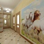 Кони на стене в коридоре