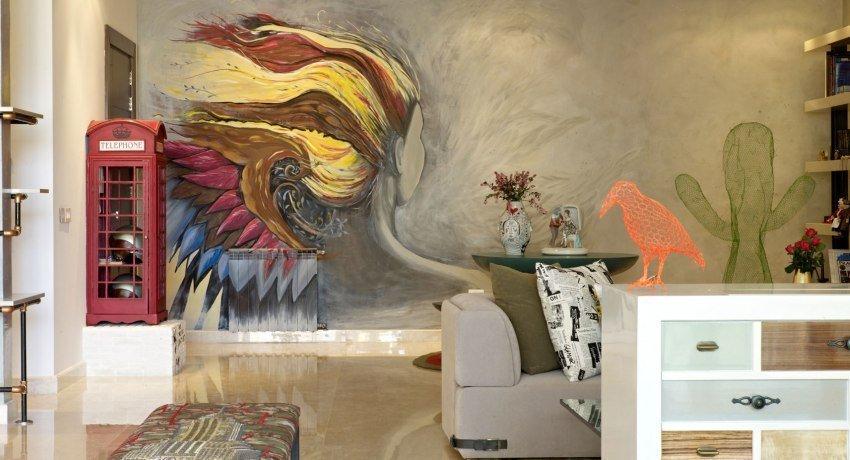 Изображения на стене в интерьере