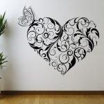 Бабочка на сердце