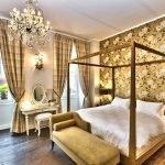Супружеская спальня в золотом цвете