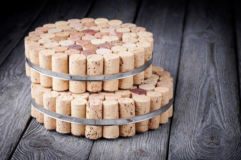 Подставки на кухне из винных пробок