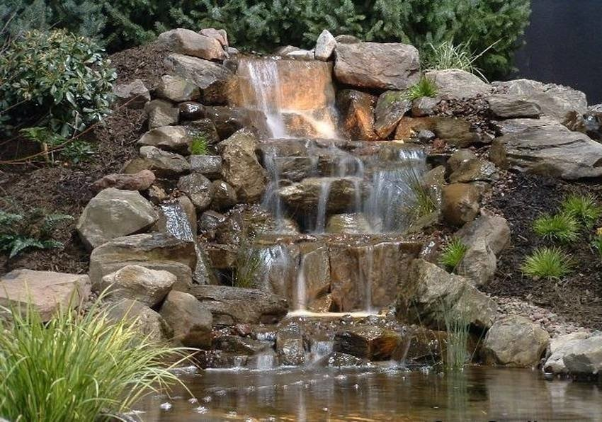 материал водопад для дачи фото меньше