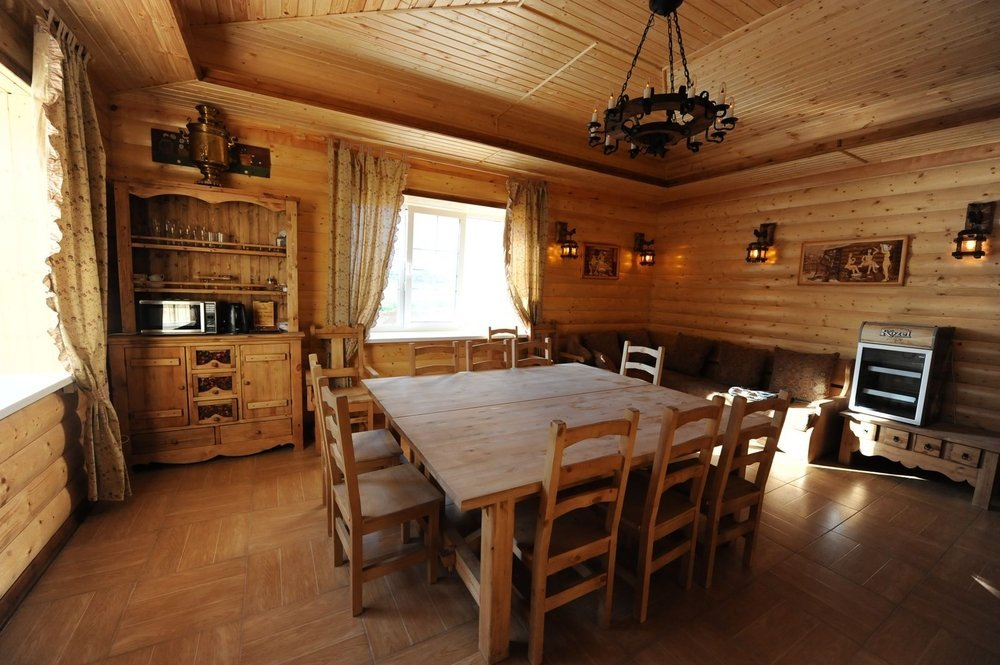 Комната отдыха в бане в классическом стиле