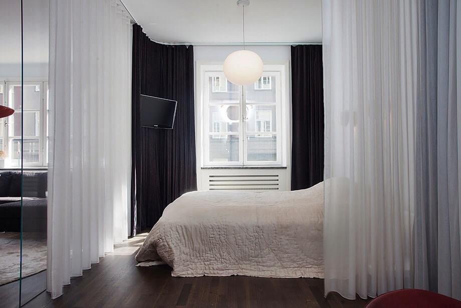 Кровать со шторой в однокомнатной квартире 36 кв м