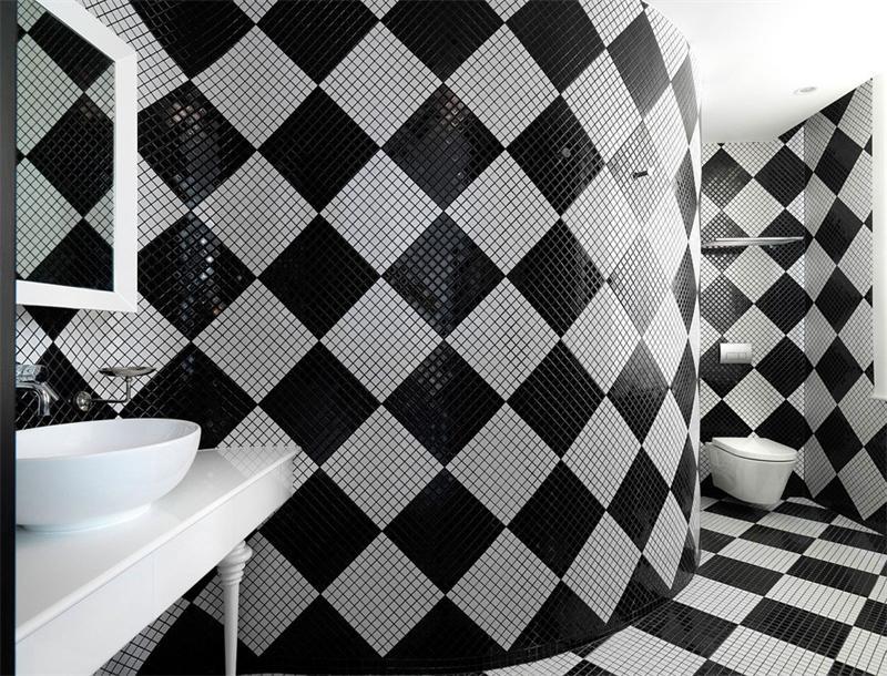 Шахматная плитка в ванной