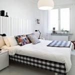 Черная клетка в дизайне спальни