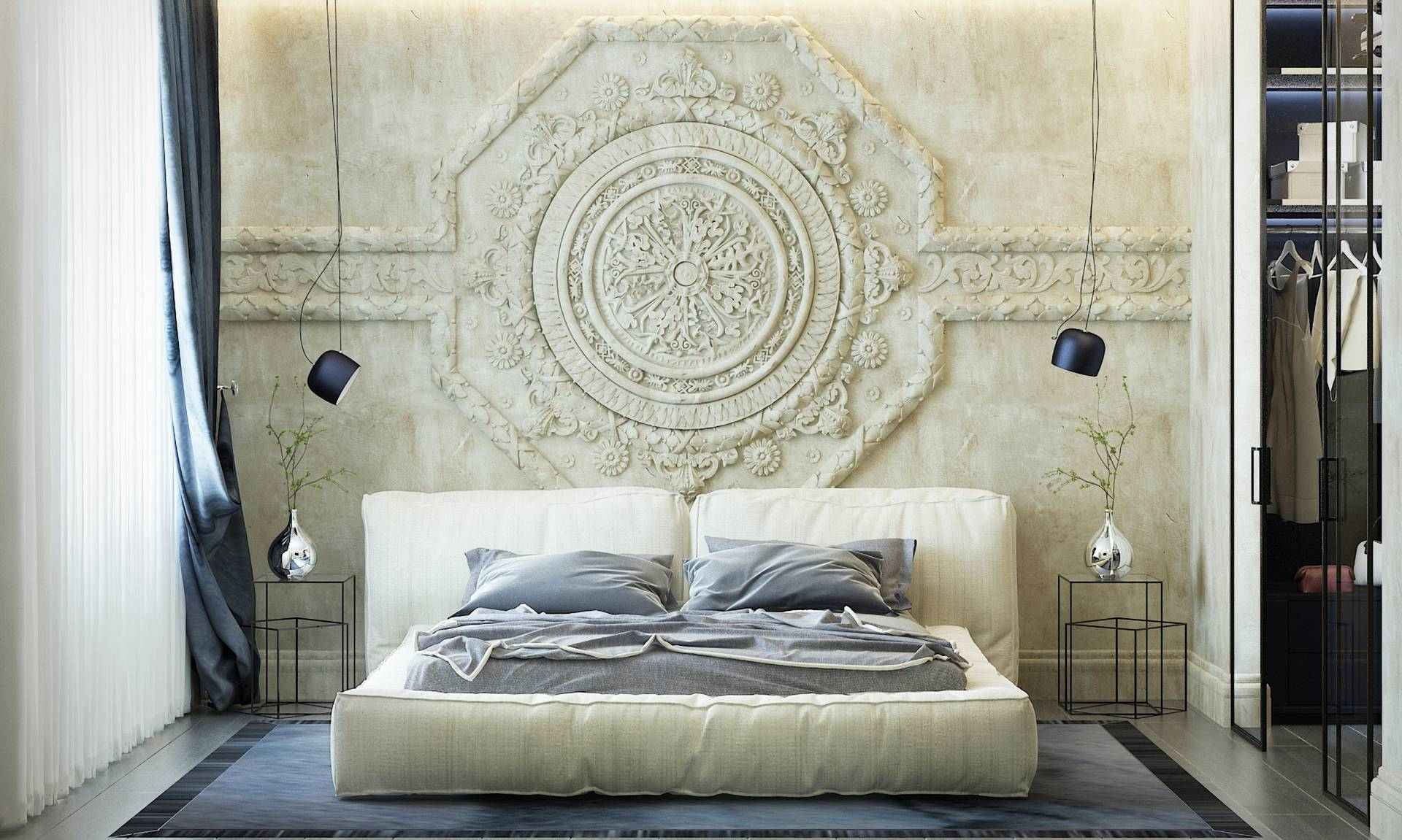 Барельеф над двухспальной кроватью